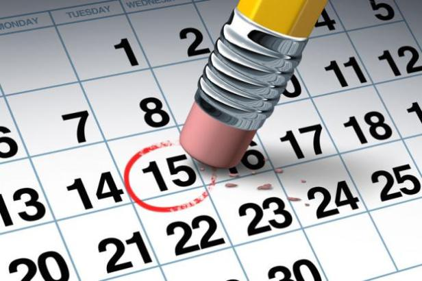 pencil-eraser-changing-date-on-calendar